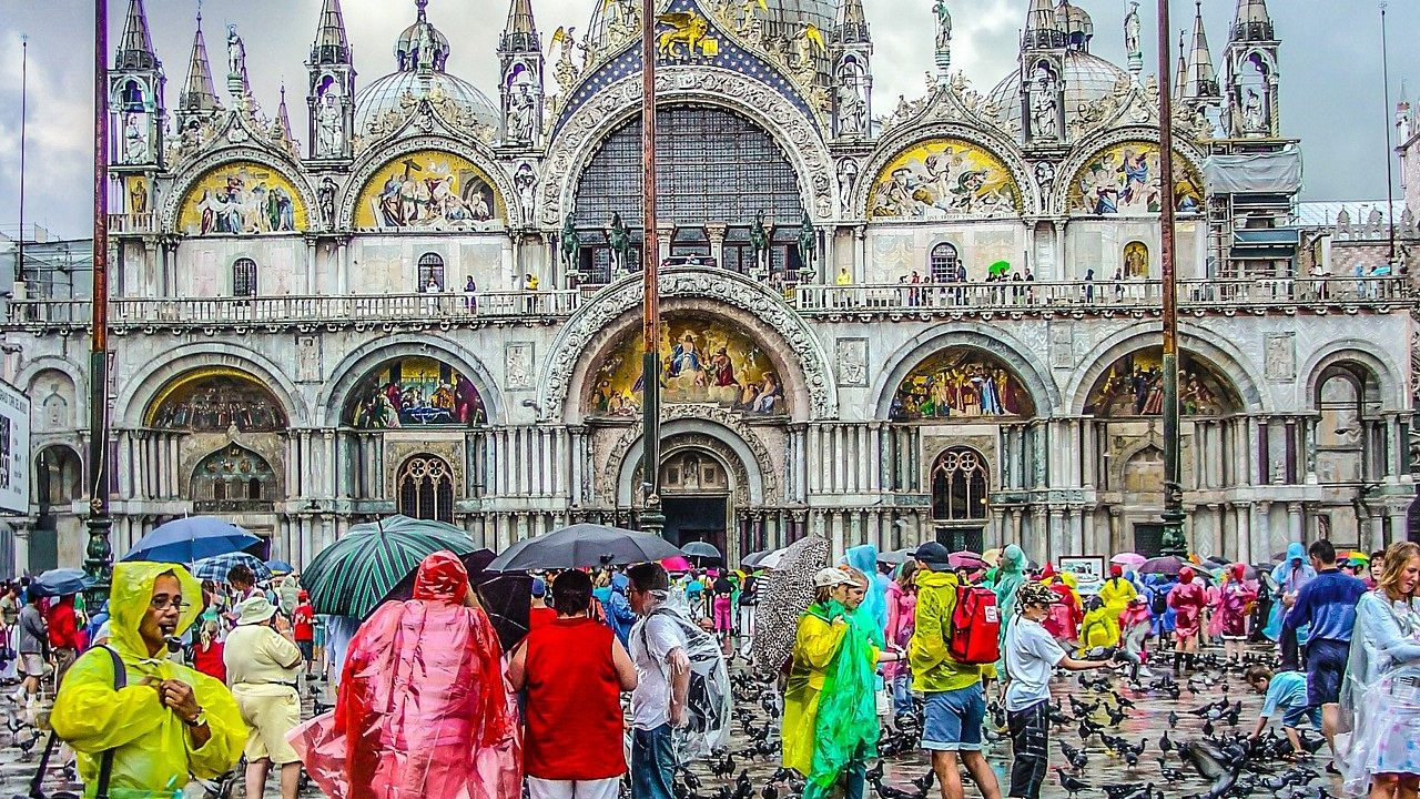 Venice Determined to End Mass Tourism Even after Lockdown